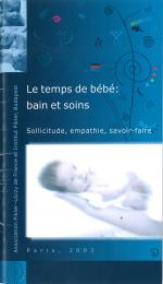 Le temps de bébé : bain et soins